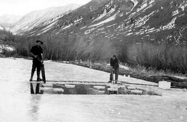 BCL-ice-fishing
