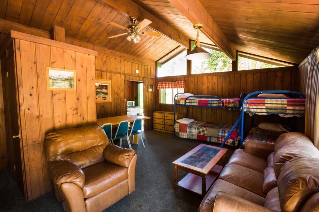 Bishop Creek Lodge Rainbow Cabin main room