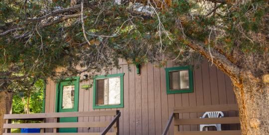 bishop_creek_lodge_exteriors_cabin_8-2